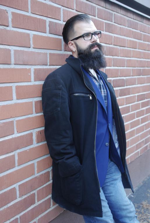 miesten takki sivu musta jary kokkonen