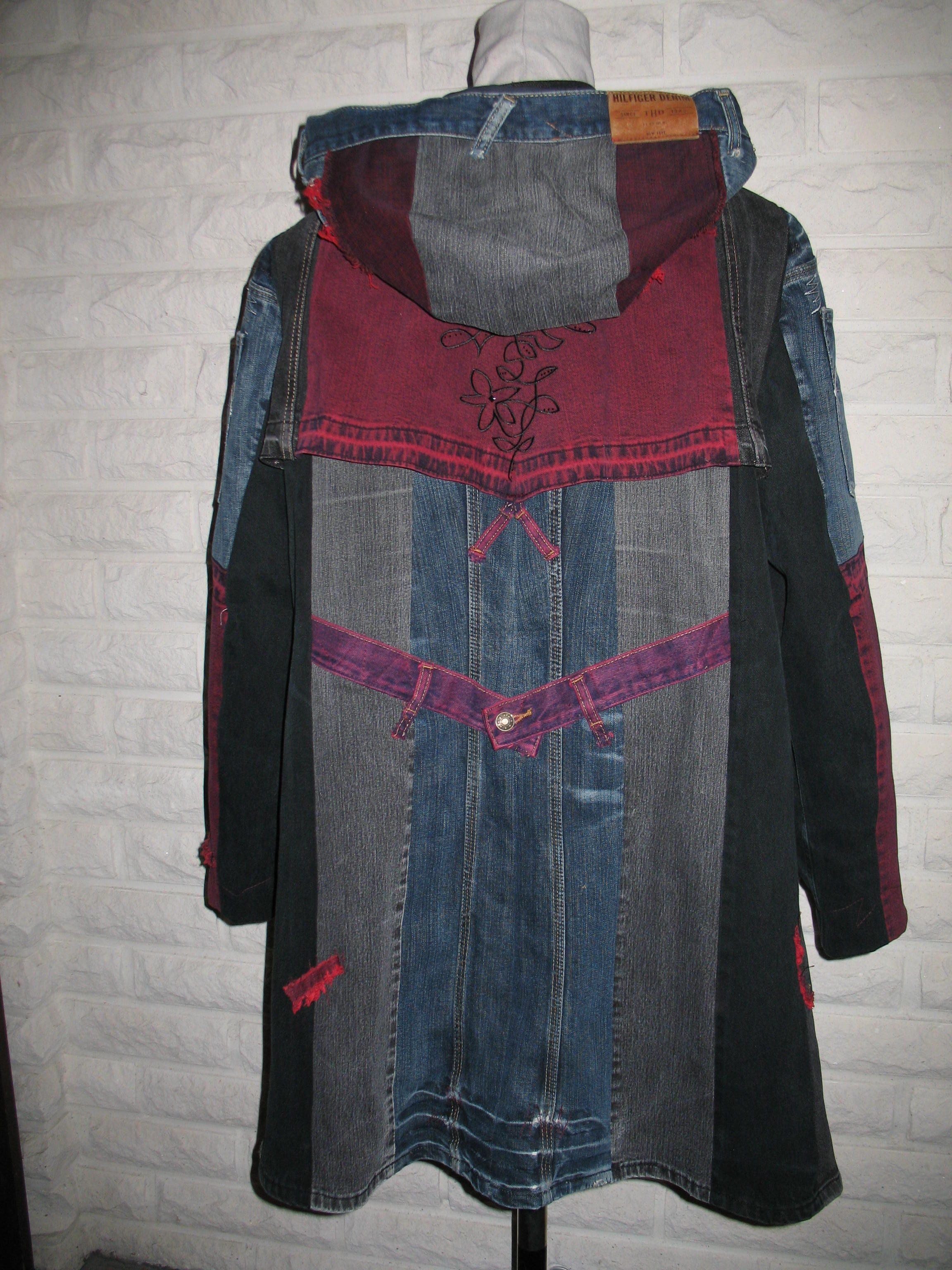 outi väätäinen takki hupulla
