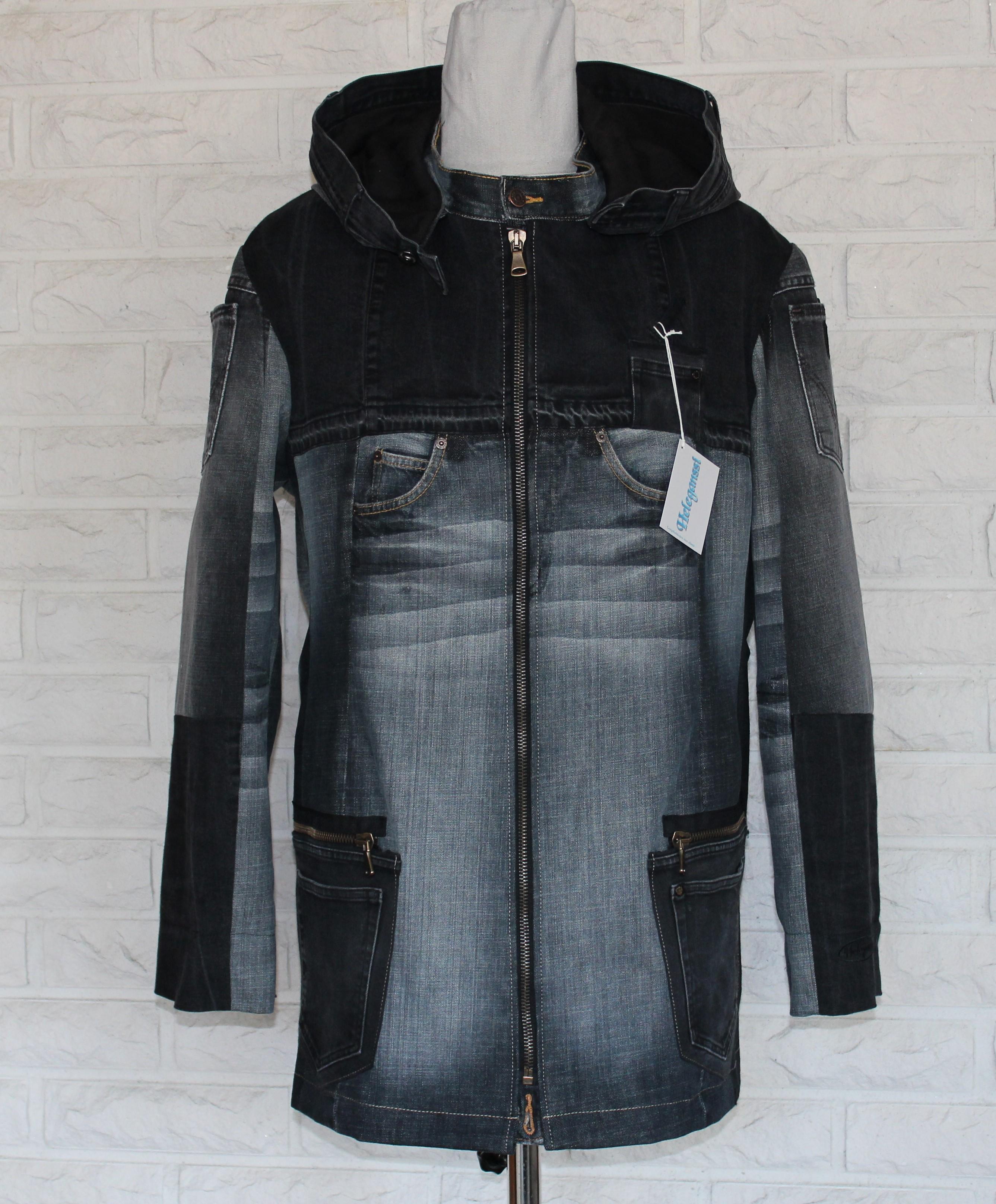 Musta-harmaa takki edestä