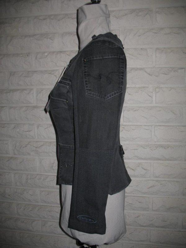Heleganssi-naisten jakku-IMG_4144-e1554993647104