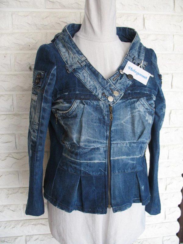 Heleganssi-naisten jakku-IMG_4322-e1554993950512